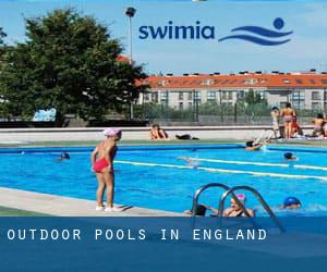 Outdoor Pools in England